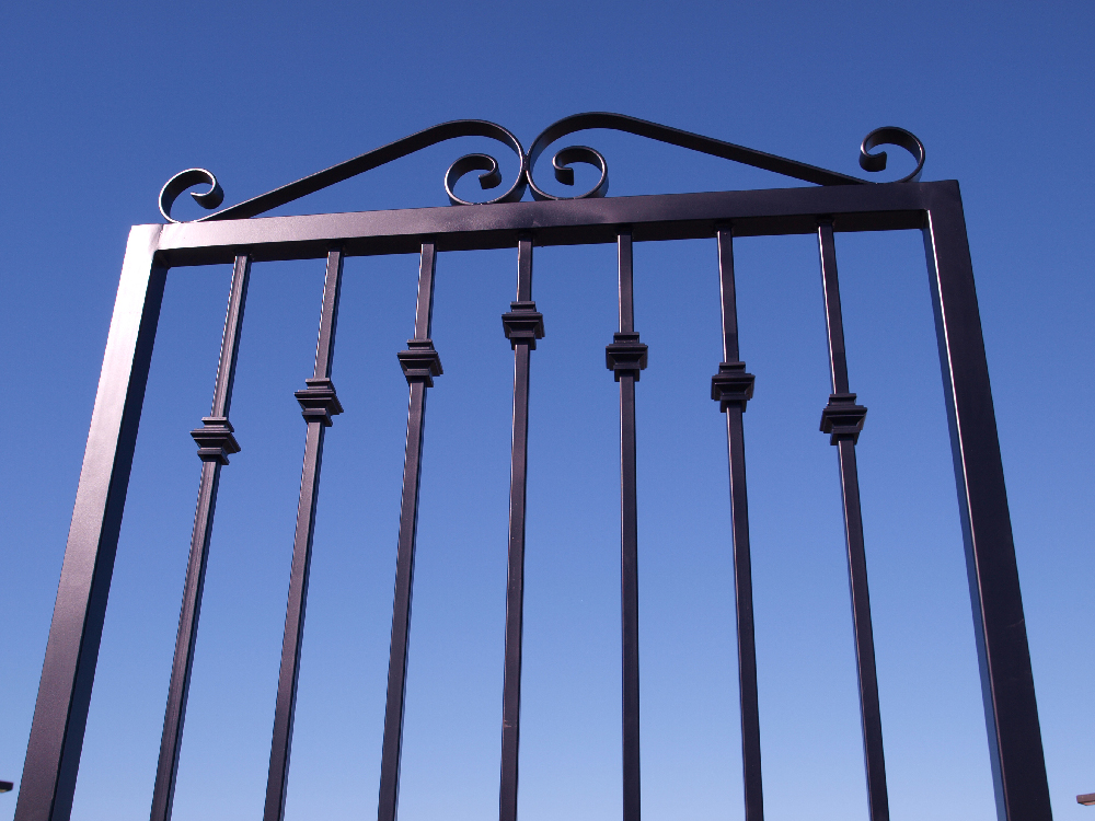 Iron Gate with Split Knuckle Design 1