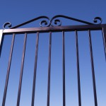 Iron Gate without Split Knuckle