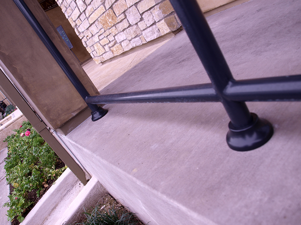 After Simshoe Round Install on Iron Railing